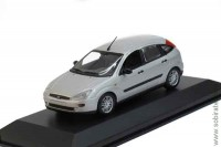 Ford Focus 5-turig 2002 silver