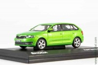 Škoda Rapid Spaceback 2013 (rally green metallic)
